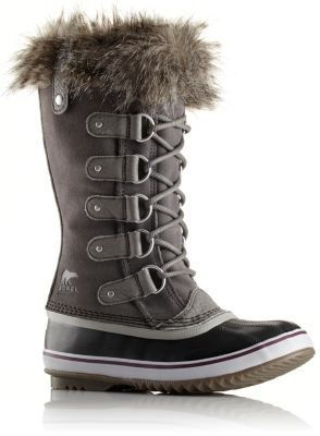 This classic silhouette features a beautiful, waterproof, full-grain leather and suede upper, super-soft faux fur around the cuff and a removable, recycled felt inner boot to ensure that feet stay warm, dry and comfortable in cold winter conditions.