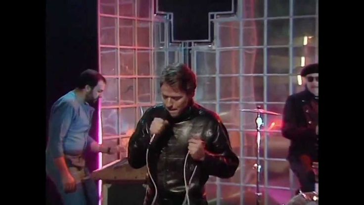 ROBERT PALMER【SOME GUYS HAVE ALL THE LUCK】1982 TV LIVE
