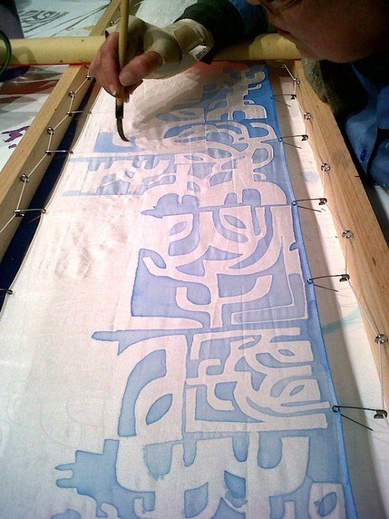 "silk painting demo by artist Adriana ""Gigi"" Mederos"
