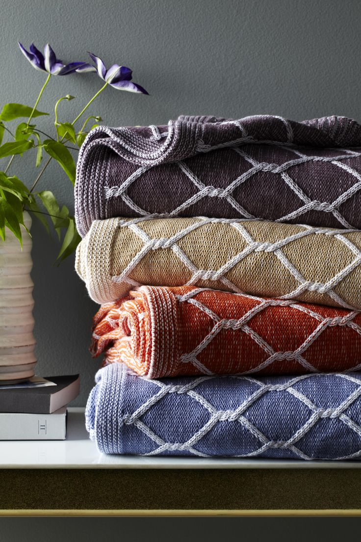 Suited for every room, and most prized for its soft warmth, our Orazio throw is akin to snuggling with an oversized version of your favorite knit sweater.