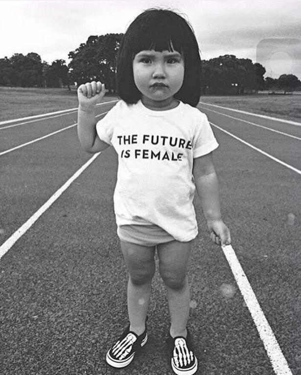 En la década de 1970 una psicóloga de la Universidad de Columbia realizó una serie de experimentos con niñas y niños que arrojaron…