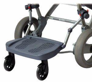 Le marche pied poussette fait partie de l'équipement que tous parents de plusieurs enfants aura afin de faciliter les déplacements et éviter d'en porter un.
