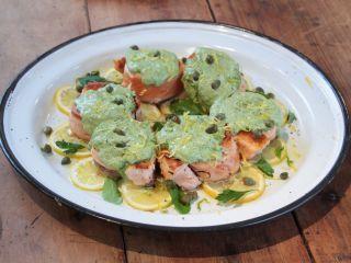 Estas ruedas de salmón son una opción para una cena rica, rápida y saludable. Para preparar en menos de 20 min. Receta de @elgourmetmx