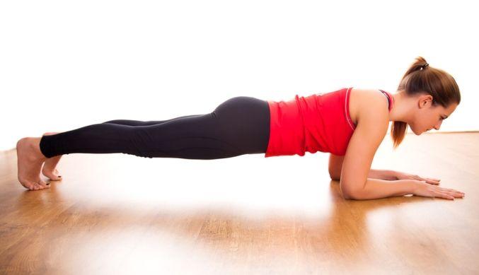 Planking: L'esercizio per allenare tutto il tuo corpo in 1 minuto