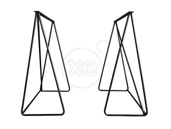 Metalen tafelpoten (pin stijl-prijs voor beide) zijn speciaal hand vervaardigd en door KASA Workshop voor u bereid.  Geef ons 2-14 dagen gemaakt en uw bestelling versturen. Voor verzending methoden buiten Griekenland contact. Gratis verzending binnen Athene.  Hoogte: 72cm (aangepaste formaten beschikbaar. Please convo voor meer info) Gemaakt van solide zware 12mm dikke metalen stalen stangen. Afwerkingsopties: Rauwe (niet-gecoate en zal roesten) (gratis), kleur zwart stuurman (gratis), RAL…