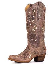 The country wedding cowgirl boots shop   http://www.countryoutfitter.com/wedding-shop #wedddingboots