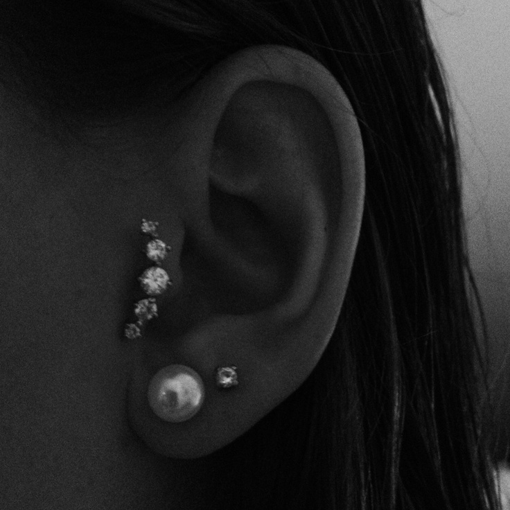 Tragus earring <3 www.piercedfish.com