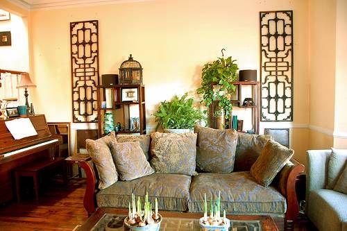 Interesting wood lattice wall mounts tea house for Living room design zen