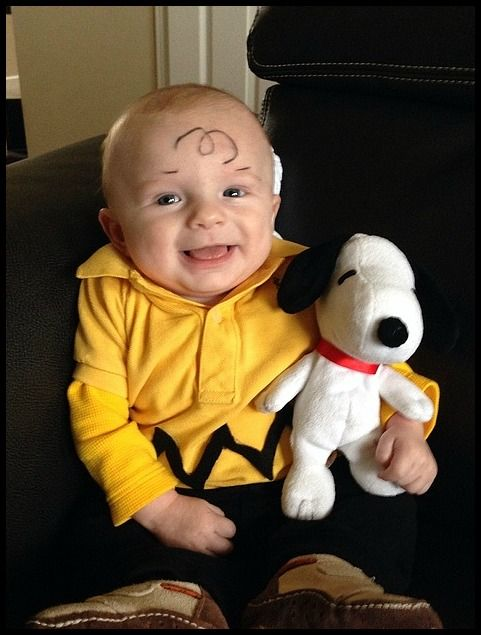 Bookish Halloween costumes for children: Charlie Brown and Snoopy Halloween costume for a baby.