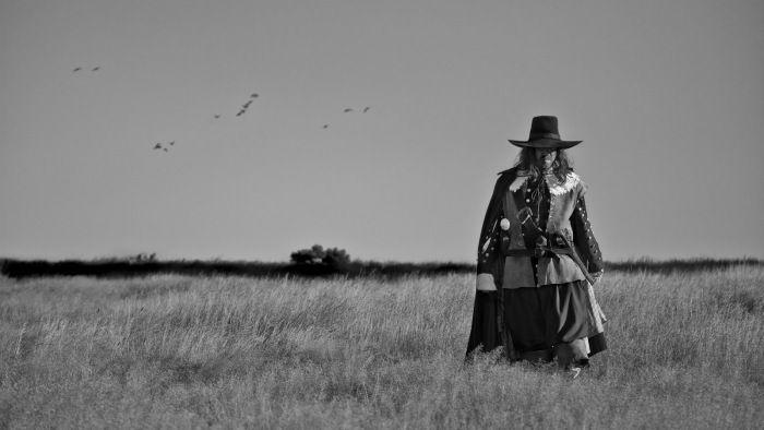 a-field-in-england - http://johnrieber.com/2013/08/20/a-field-in-england-new-modern-horror-master-ben-wheatley/