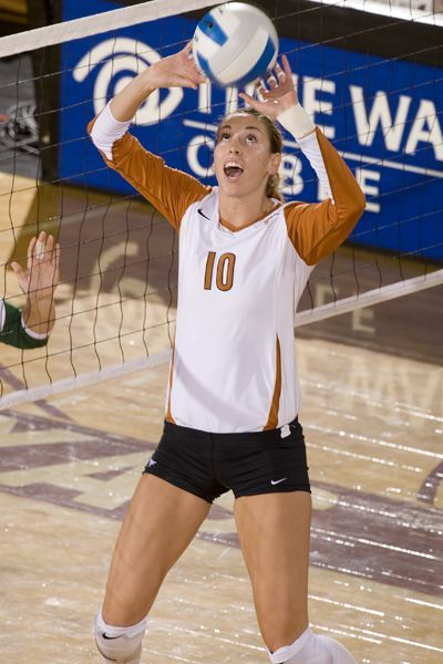 volleyball to the face | Texas Longhorns volleyball ready to face Minnesota Gophers in NCAA ...