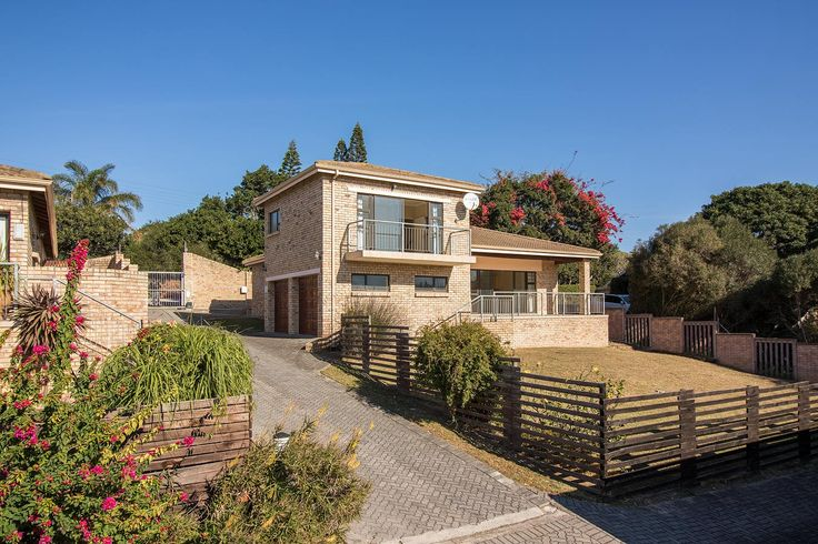 http://harcourts.co.za/Property/280150/EPA24939/1-River-Glen-Becker-Street #Harcourts #PortAlfred #SoleMandate #BuyingAHome #WhereServiceCounts
