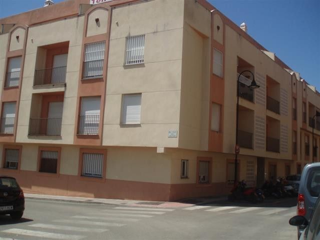Ground floor apartment las lagunas costa del sol 1 for Bathroom showrooms costa del sol