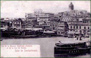 Dönemin kartpostallarında, Osmanlı Bankası Binasının Haliç'ten görünümü