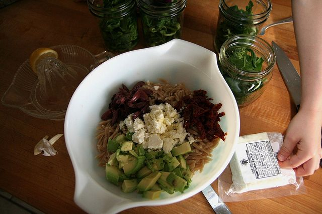 MONDAY BITES :: ORZO SALADQuinoa Options, Picnic Foods, Picnics Ideas, Mondays Bites, Sensation Salad, Orzo Salad, Gypsy Forests, Salad Food, Picnics Food