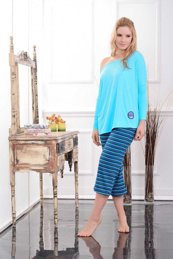 Multiuso / Homewear / 43692 / Cómoda blusa en poliéster spandex, con silueta de hombro caido / Funcional capri con silueta amplia,  en poliéster spandex  Tallas / Sizes / S - M - L - XL