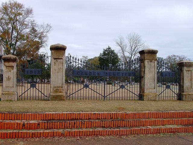 Camden Cemetery (Camden, Alabama) by courthouselover, via Flickr