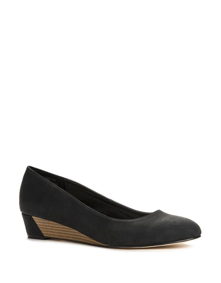 Classic Low Wedges