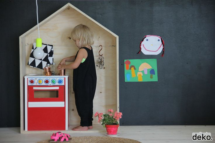 Cool and simple Scandinavian furniture mad from plywood. Saw some plywood for free on gumtree today hmmmmmm