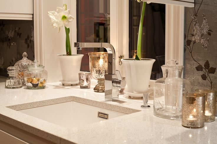 kitchen with blanco city silestone | Wallpaper from Cole & Son , base plate silestone,sink blanco