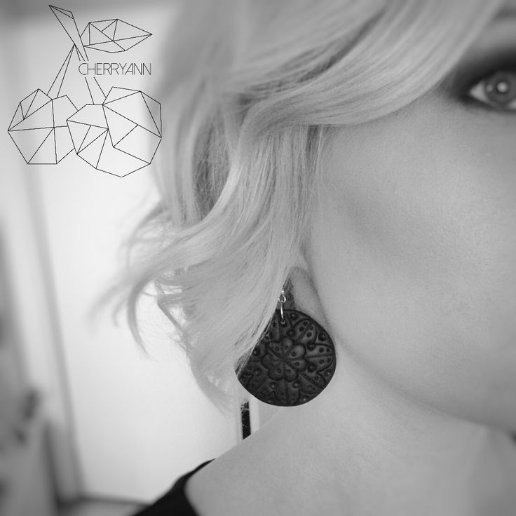 Handmade black mandala earrings / käsityönä tehdyt mandala- korvakorut, Finnish design. Made by CherryAnn
