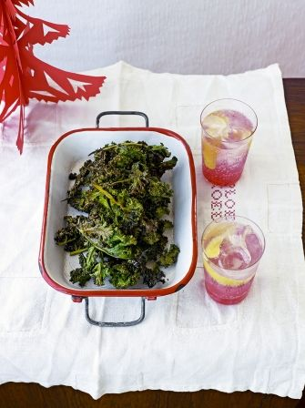 Kale Chips are the new must-have snack, try this simple Scandinavian inspired salt & cinnamon kale crisps recipe from Jamie Oliver to find out why.