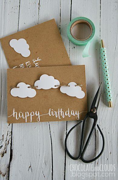 Eine Wolken-Girlanden-Geburtstagskarte.