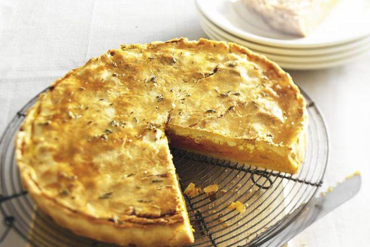 Kijk wat een lekker recept ik heb gevonden op Allerhande! Pompoentaart met witte kaas