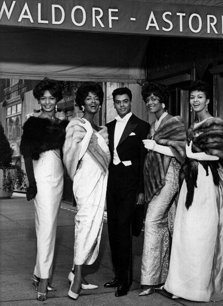 Adorable And Beautiful African American People 1920s or 1930s looks like A Fun Evening Out