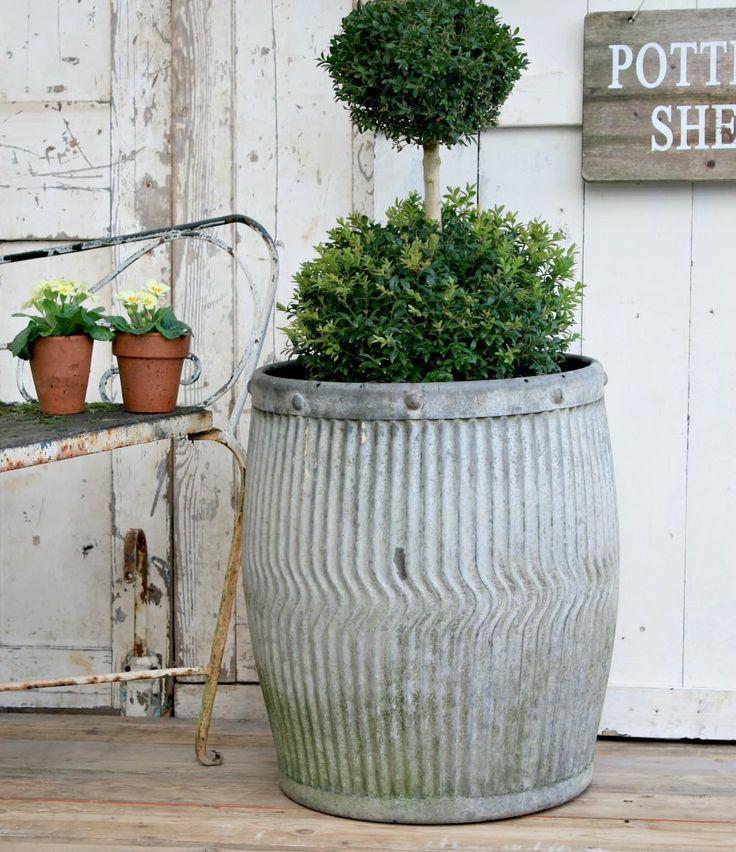 Large Planter / Metal Planter / Planter / Garden Decor / Outdoor Planter / Cottage Garden / Garden / Gardening / English / Large Flower Pots
