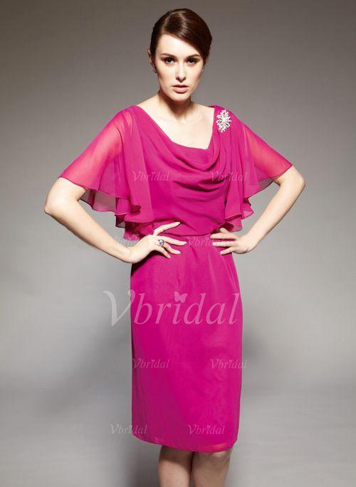 Kleider für die Brautmutter - $147.09 - Etui-Linie Cowl Neck Knielang Chiffon Kleid für die Brautmutter mit Rüschen Kristalle Blumen Brosche (00805007887)