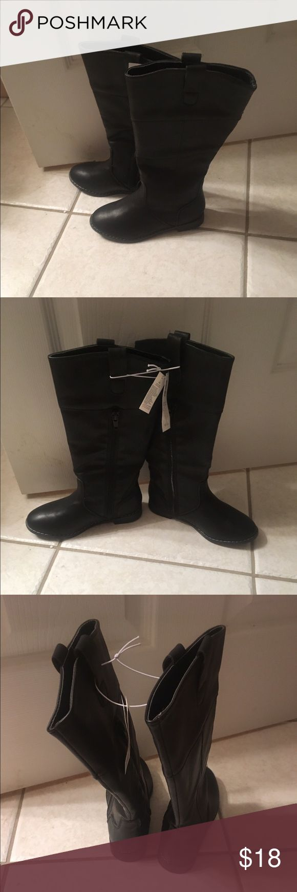 Toddler Girls Old Navy Knee-Hi Black Boots-Size 11 New with tag!  Girls Old Navy Toddler Black Knee-Hi Boots!  Cute with leggings!  Perfect for your little mini-me!  Smoke Free Home!  Make REASONABLE OFFERS! Old Navy Shoes Boots