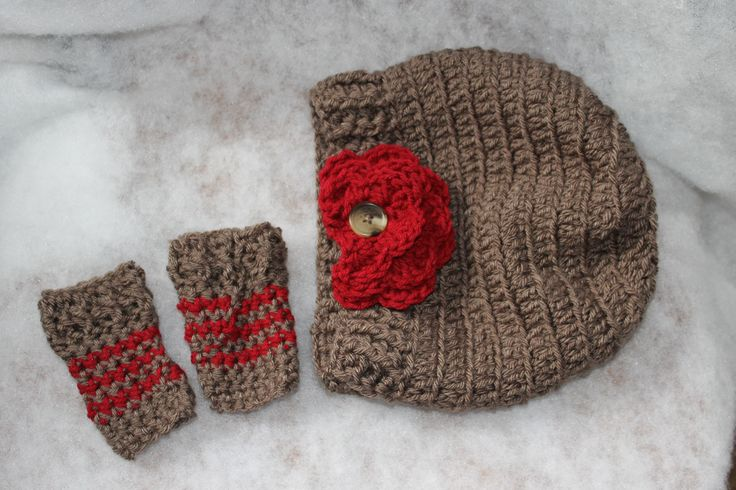 The Velvet acorn Scarlett crochet slouch set http://www.ravelry.com/projects/FiddleDeeGreen/scarlett-slouchy-2