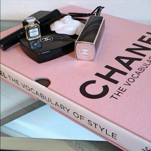 Imagem de chanel, pink, and book