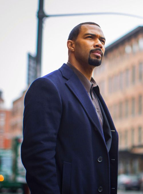 Omari Hardwick Power Suit 17 parasta ideaa: Omar...
