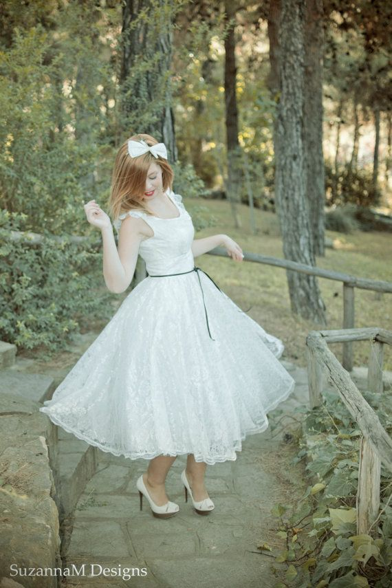 Hey, I found this really awesome Etsy listing at https://www.etsy.com/listing/116600995/light-ivory-50s-wedding-dress-full-skirt