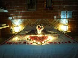 Resultado de imagem para cuartos decorados con rosas y velas