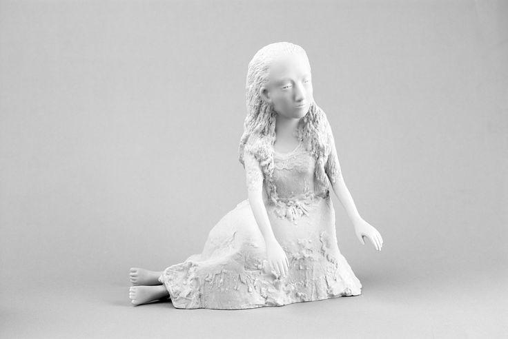 Kiki Smith - Alice II (Feet Uncrossed) (2005) | collection museum Beelden aan Zee