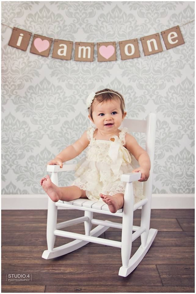 first birthday photo shoot ideas, one year photos, emma is one, indoor photo shoot ideas: