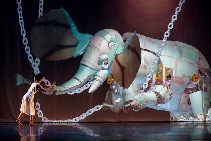 circus-elephant-chain