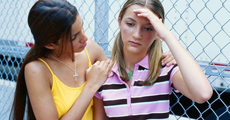 Técnicas para reduzir a ansiedade em adolescentes. Enquanto um estudo da Universidade da Flórida mostrou que adolescentes de 17 anos com sintomas de ansiedade têm um risco maior de ficarem dependentes de álcool e maconha, os pesquisadores também continuam a seguir os passos desses adolescentes para ver se o nível de ansiedade diminui conforme eles amadurecem. Por isso, o alívio da ansiedade pode ...