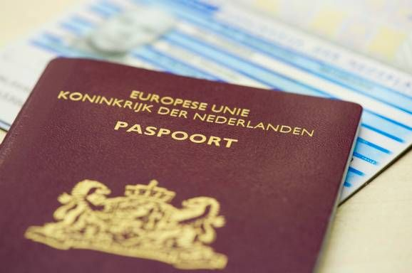 Voor reizen naar Turkije dien je in het bezit te zijn van een geldig paspoort of Europese identiteitskaart die nog tenminste 3 maanden na terugkeer in Nederland geldig dient te zijn. Voor reizigers met de Nederlandse nationaliteit geldt voor Turkije een visumplicht, die op de luchthaven in Turkije verkrijgbaar is. De kosten dienen direct ter plaatse te worden voldoen (ca. euro 15 p.p.). Dit kun je het beste gepast doen, wisselgeld hebben ze meestal niet.