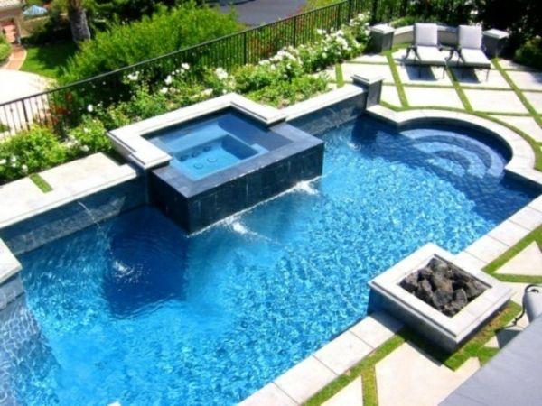 Whirlpool im Garten - gönnen Sie sich diese besondere Art Entspannung. Man muss für den Augenblick leben, sagen alle. Das wiederholen Psychologen, Astrologe