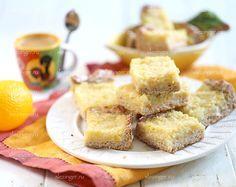 Очень вкусный, полезный и низкокалорийный диетический пирог лимонник. Для тех, кто любит лимонную выпечку - кисло-сладкий, с горчинкой и невероятным ароматом.  Ингредиенты: Для теста: