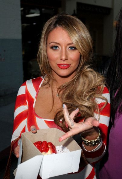 Aubrey O'Day Photos Photos - Aubrey O'day and her friend Crystal stop at Belwood Bakery in Brentwood for a strawberry tart. - Aubrey O'Day at Belwood Bakery