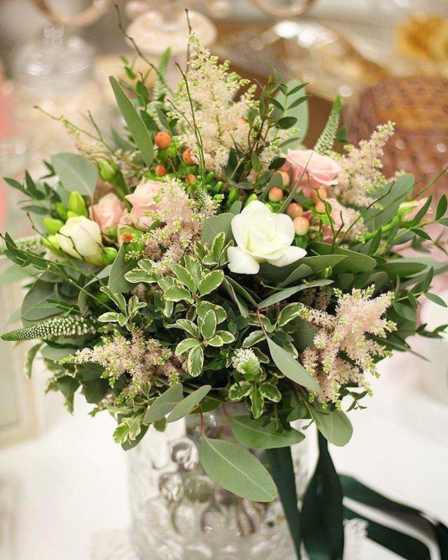 Svadobná pre  Máriu. Použili sme rôzne druhy zelene  pár kvetov jemnej astilbe voňavých frézií miniruží a je previazaná smaragdovou  stuhou. #kvetysilvia #kvetinarstvo #kvety #svadba #love #instagood #cute #follow #photooftheday #beautiful #tagsforlikes #happy #like4like #nature #style #nofilter #pretty #flowers #design #awesome #wedding #home #handmade #flower #summer #bride #weddingday #floral #naturelovers #picoftheday