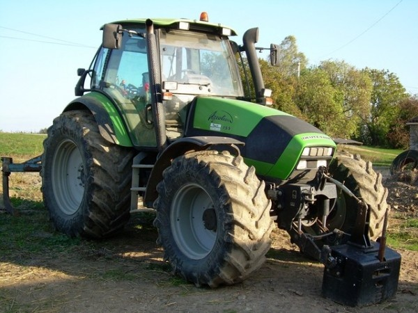 A new week has just started. And it will be about Deutz Fahr Tractor ... Enjoy it and more on http://www.agriaffaires.com/occasion/tracteur-agricole/1/4031/deutz-fahr.html