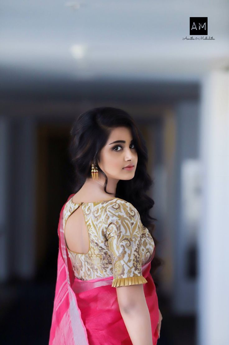 Lovely brocade saree blouse with keyhole back, boat neckline and frilled elbow sleeve. #ClassySarees