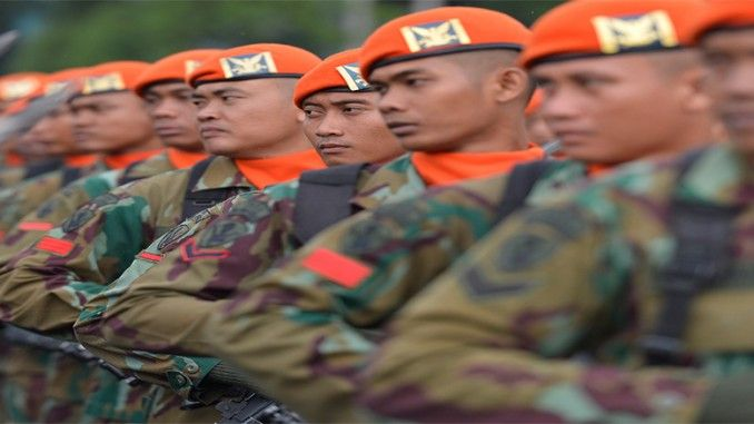 Nyata tanpa rekayasa. Bukan pula adegan film action nan mendebarkan. Ini tayangan visual sesungguhnya kala peluru tajam bertubi-tubi seliweran di sisi kanan dan kiri tubuh prajurit Korps Pasukan Khas (Korpaskhas) TNI AU yang tengah berlatih doper.