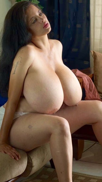 Sexy Huge Natural Breasts Video